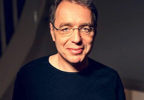"""Bestsellerautor David Safier stellt seinen neuen komischen Roman """"Aufgetaut"""" vor"""