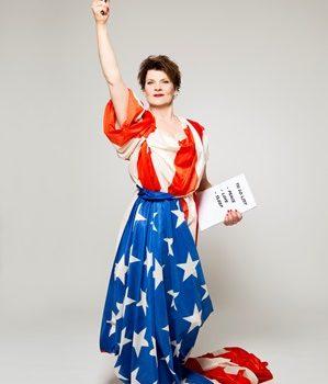 """""""American Woman"""" – JuZ Leer und Stadtbibliothek Leer präsentieren einen Solo-Abend mit Gayle Tufts"""